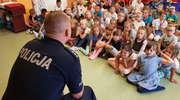 Aby wakacje były bezpieczne — policjanci spotykają się z najmłodszymi