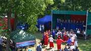 Zespoły śpiewacze i kabarety na III Regionalnym Przeglądzie Piosenki Biesiadnej w Rakowicach