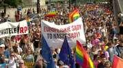 Centrum Warszawy pod tęczowymi flagami. W stolicy przeszła Parada Równości