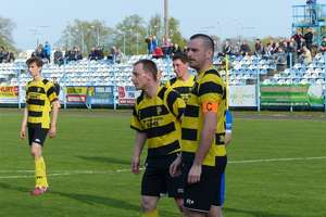 Piłkarskie wieści z ostatniej chwili: Osa spada, Czarni zagrają w barażu, a Drwęca nie ma licencji na grę w III lidze