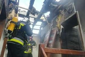 Pożar domu w Dywitach. W budynek uderzył piorun