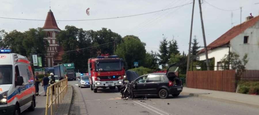 Na szczęście, żaden z uczestników zdarzenia nie odniósł obrażeń. Droga w miejscu zdarzenia była przez ponad godzinę zablokowana.