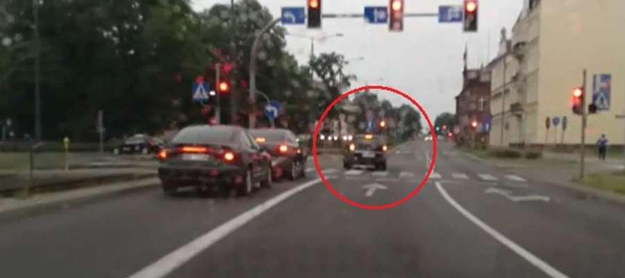 Policja poszukuje kierowcy opla astry