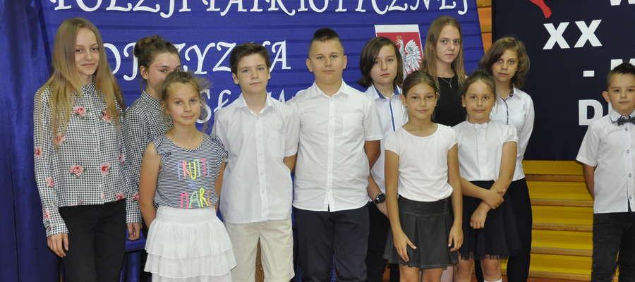Uczestnicy konkursu na pamiątkowej fotografii