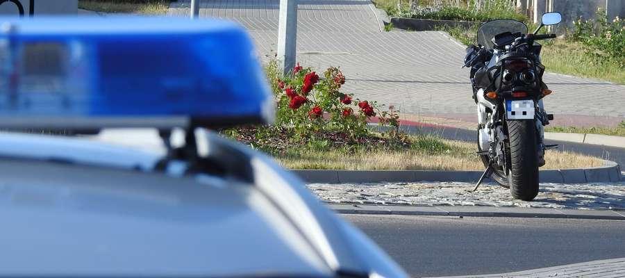 Przewróciłsię na ul. Konopnickiej. Motocykl 35-latka przeleciał kilkadziesiąt metrów [zdjęcia]