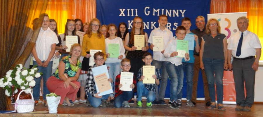 Kiwicka biblioteka zorganizowała konkurs recytatorski i zaprosiła olsztyńskich aktorów ze spektaklem.