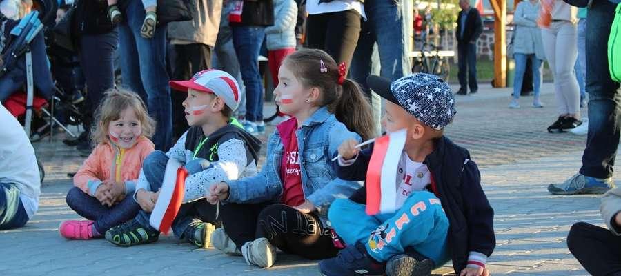 Najmłodsi fani piłki nożnej w lidzbarskiej strefie kibica