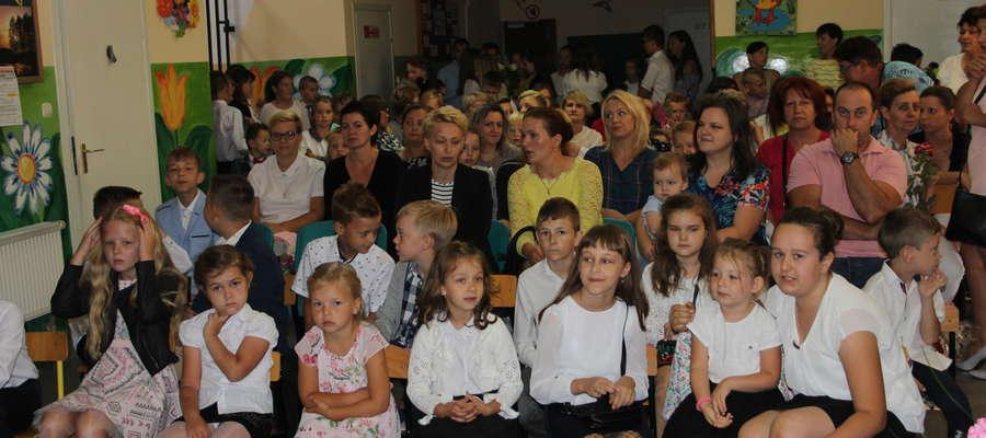 Uczniowie czekali na ostatni dzwonek w tym roku szkolnym.