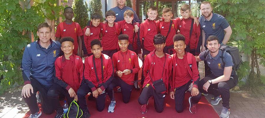 Zagraniczne ekipy są już w Ostródzie, Liverpool FC chce sięgnąć po główne trofeum
