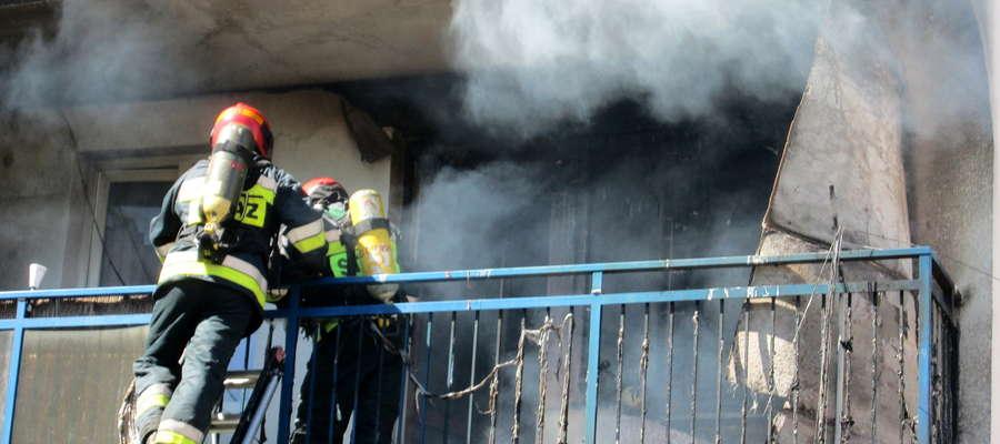 Pożar na balkonie (Mrągowo)