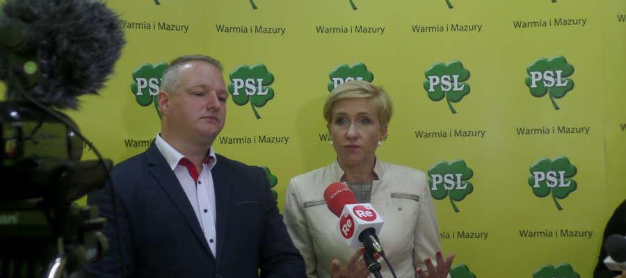 Radosław Król, wójt gminy Wydminy, i posłanka Urszula Pasławska