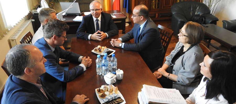Rozmowy delegacji ze Swietłogorska w Obwodzie Kaliningradzkim i przedstawicieli z Nowego Miasta odbywały się w Urzędzie Miejskim