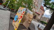 ''Plastyk'' promuje się pod Ratuszem
