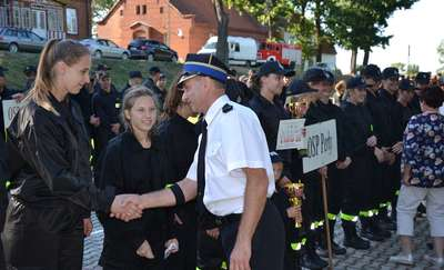 Druhowie i druhny z OSP Perły najlepsi na zawodach strażackich