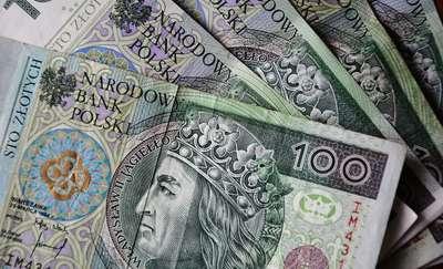 Na chodniku w Olsztynie znalazł portfel, a w nim ponad tysiąc złotych