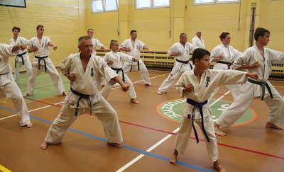 Karatecy wakacji nie mają. Do końca lipca biorą udział w Letniej Akademii