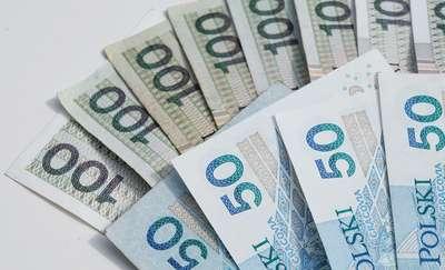 Olecko: Znalazł kopertę z pieniędzmi i oddał policji