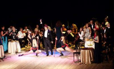 Opera nad jeziorem Czos