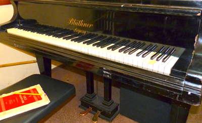 Ukradł pianino. Drewno spalił, metal sprzedał na złom