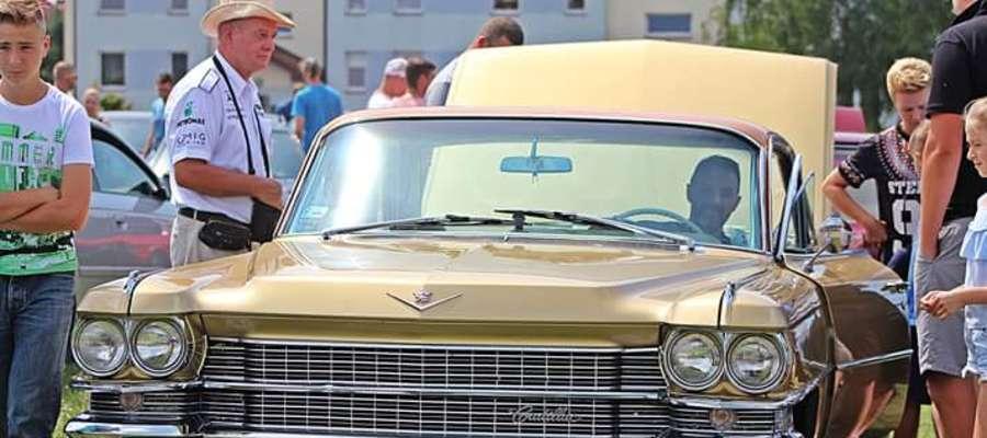 Samochody zabytkowe i tuningowane są bardzo popularne