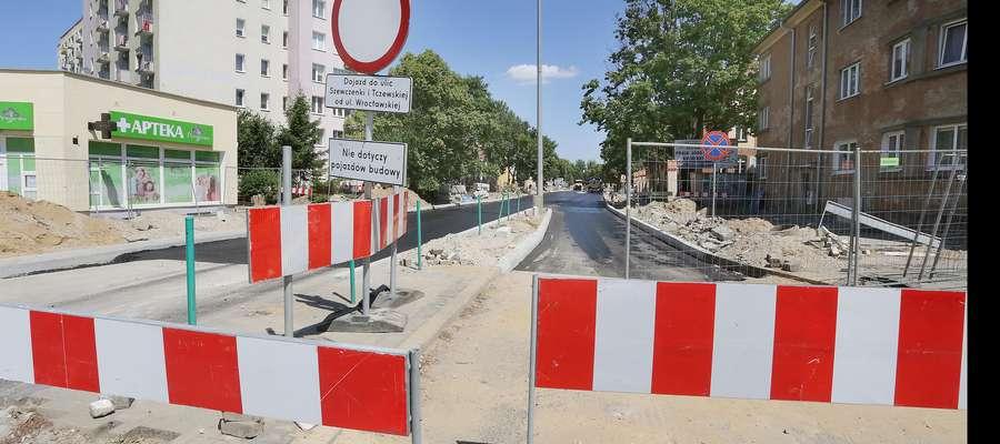 Jagiellońska asfalt  Olsztyn-Jagiellońska, kładzenie  asfaltu