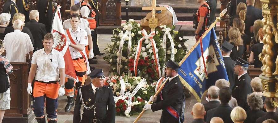 Maciej Ciunowicz służył w Państwowej Straży Pożarnej w Kętrzynie. W sobotę 14 lipca w wyniku obrażeń odniesionych podczas ćwiczeń zmarł w Wojewódzkim Szpitalu Specjalistycznym w Olsztynie. Pogrzeb odbył się 20 lipca.