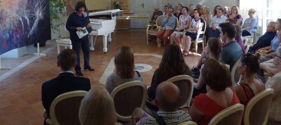 Podczas spotkania wysłuchać można było różnorodnych kompozycji Fryderyka Chopina, w tym Etiudy rewolucyjnej c-moll Op. 10, Nr 12.