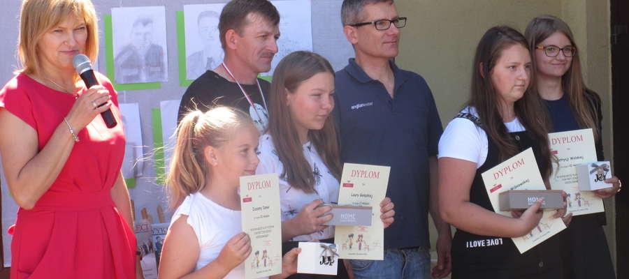 Podczas uroczystości w szkole w Zajączkowie