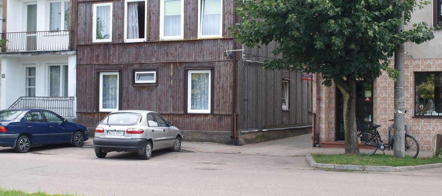 Z budynku muszą się wyprowadzić 4 rodziny fot. ej