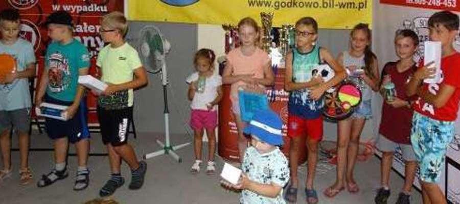 W zawodach udział wzięło kilkanaścioro dzieci.