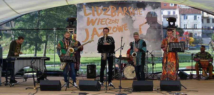 """II koncert Lidzbarskich Wieczorów Jazzowych """"A`freaK-aN-Project"""" Wojciecha Staroniewicza"""