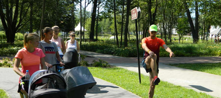 Treningi wózkowych mam odbywają się w każdy wtorek w Parku Centralnym