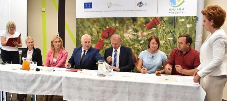Umowę z marszałkiem podpisuje wójt gminy Iława Krzysztof Harmaciński