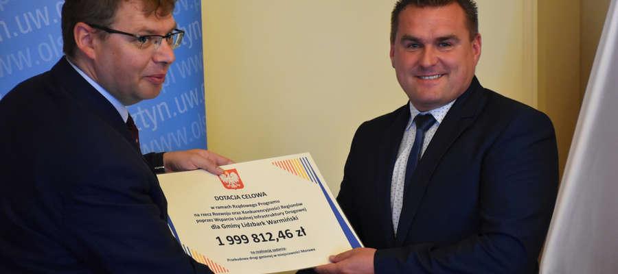 Wójt Gminy Lidzbark Warmiński Fabian Andrukajtis 3 lipca podpisał umowę z Wojewodą Warmińsko-Mazurskim Arturem Chojeckim