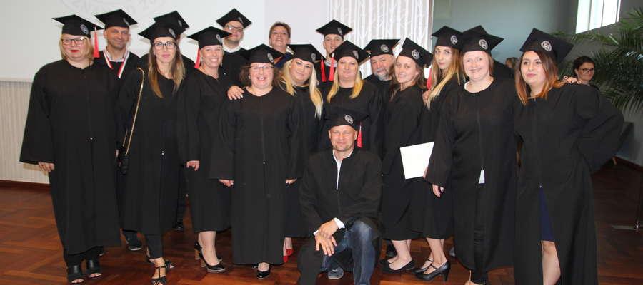Studenci Wyższej Szkoły Bezpieczeństwa Wydziału Nauk Społecznych w Bartoszycach z absolutorium