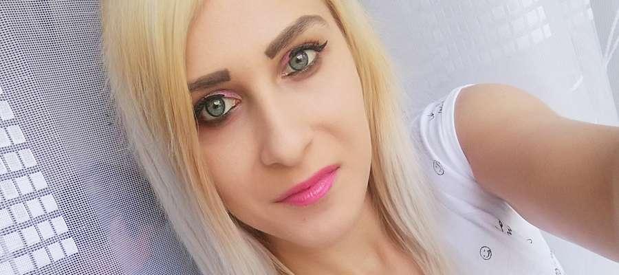 Karolina Zalewska jest młodą i szczęśliwą mamą