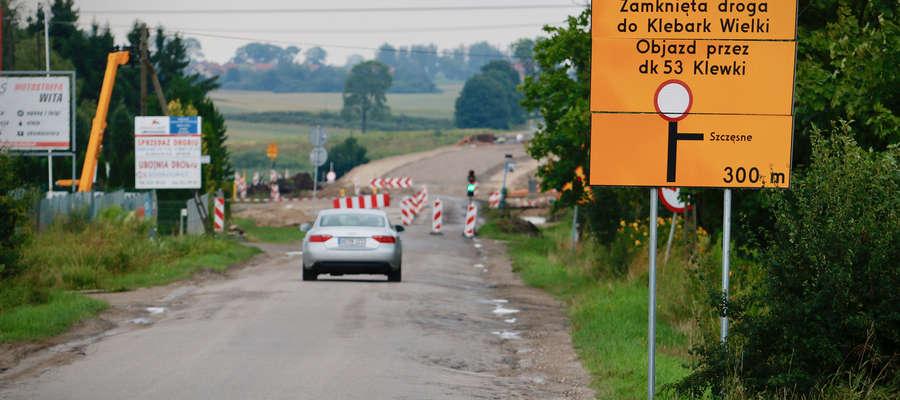 Droga powiatowa jest zamknięta, a kierowcy wściekli  [VIDEO][ZDJĘCIA]