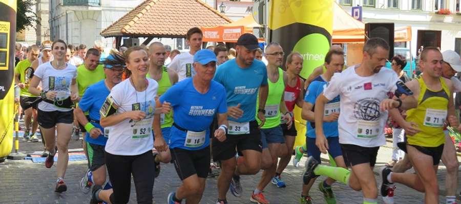 W ubiegłym roku do udziału w zawodach zgłosiło się ponad 100 biegaczy.