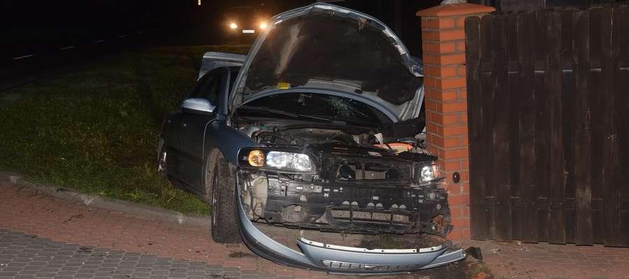 Przeprowadzone badanie stanu trzeźwości wykazało blisko 3 promile alkoholu w  organizmie kierowcy volvo