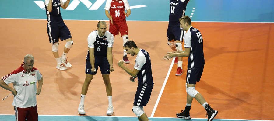 Michał Żurek (numer 16) zadebiutował pod okiem Vitala Heynena w reprezentacji