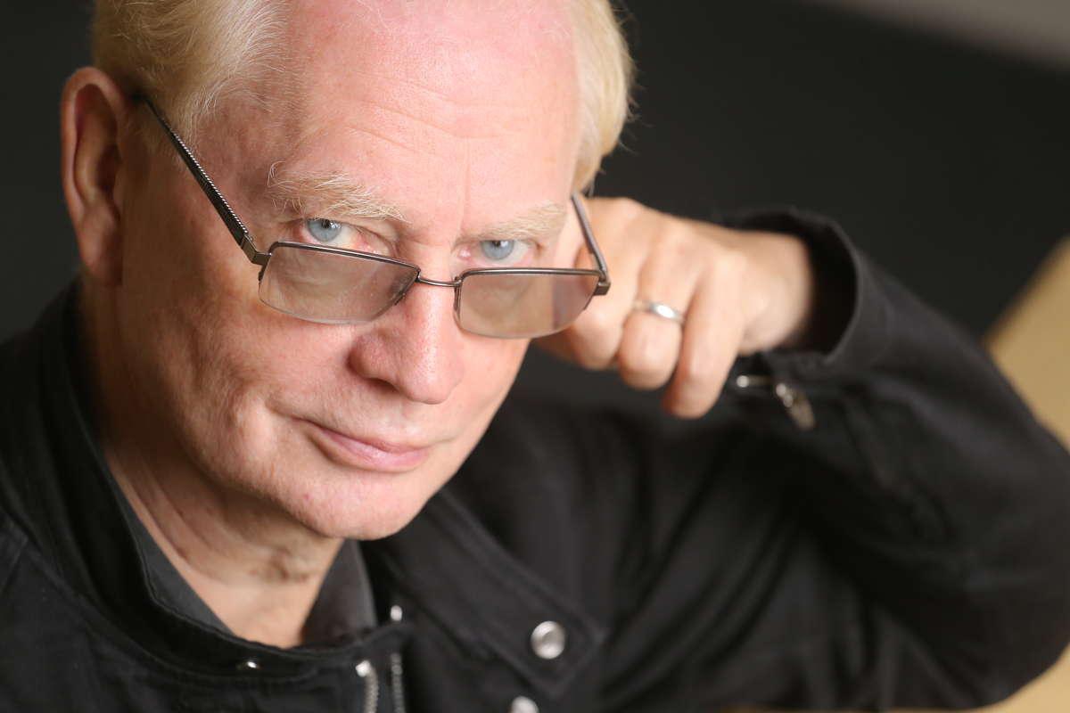 Zbigniew Marek Hass, dyrektor Jaracza w latach 1990-2003,  obecnie wykładowca  i kierownik działu nauczania Studium Aktorskiego - full image