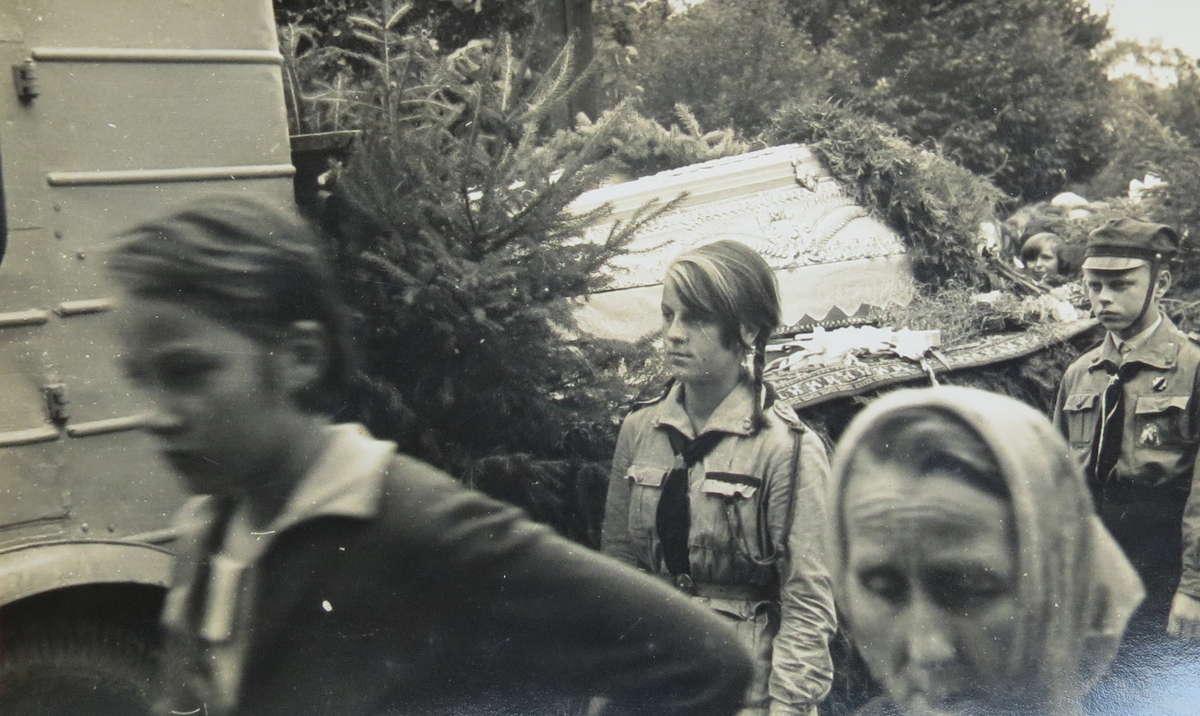 Pogrzeb harcerek Ani i Helenki w 1963 roku