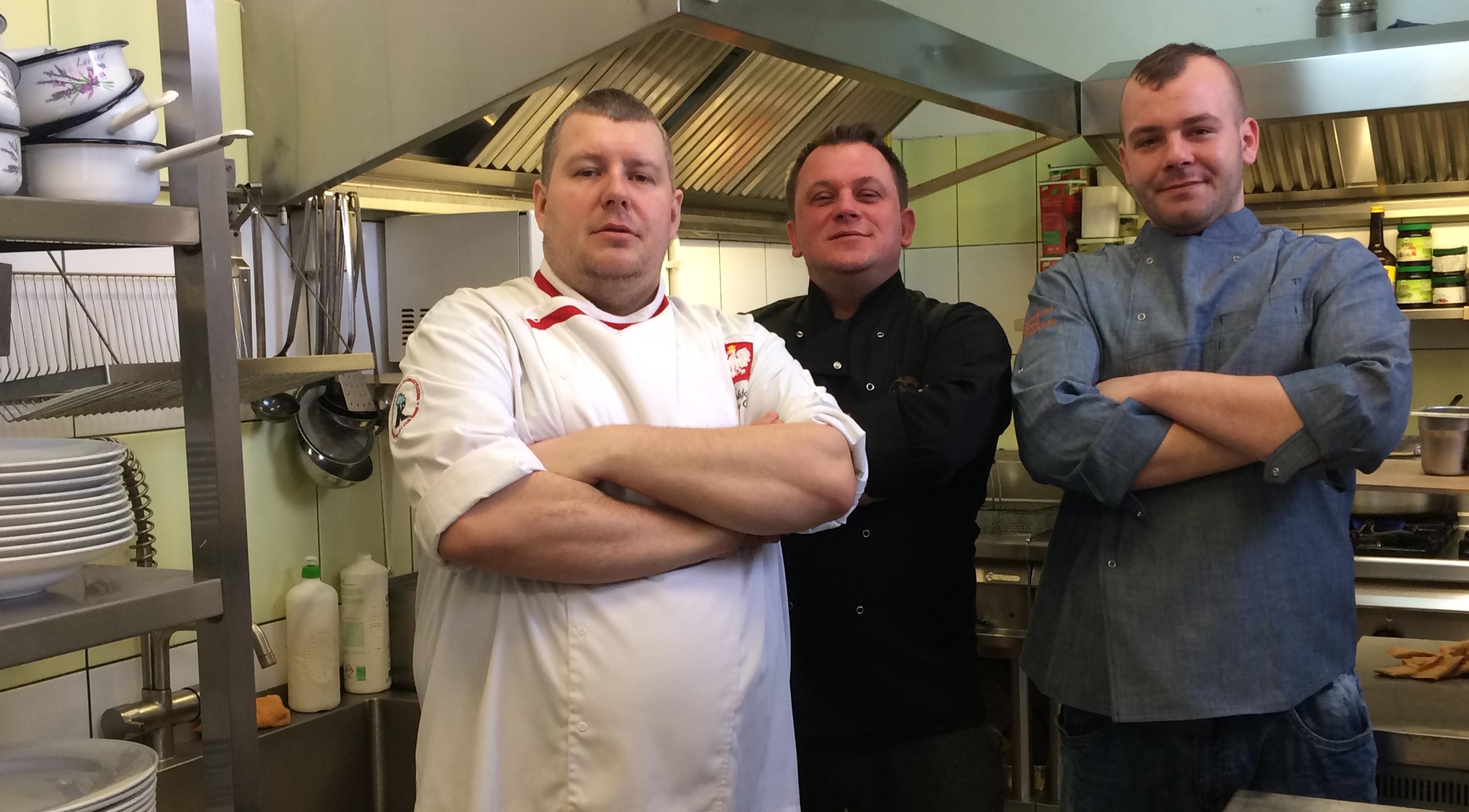 Członkowie Elbląskiego Klubu Szefów Kuchni