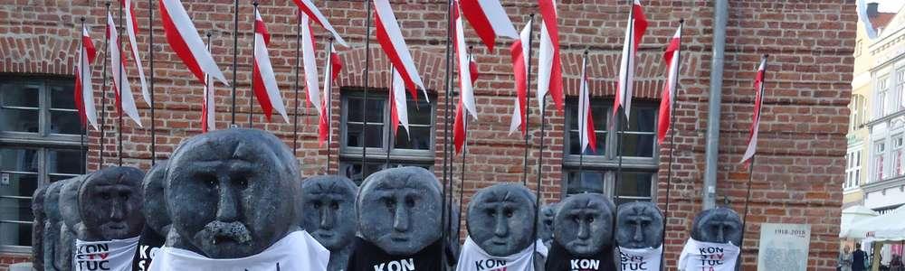 Problemy działaczki KOD po powieszeniu koszulek na babach pruskich