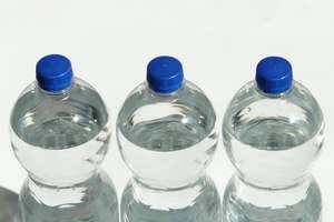 Kolejne wody mineralne skażone bakteriami z grupy coli oraz paciorkowców kałowych