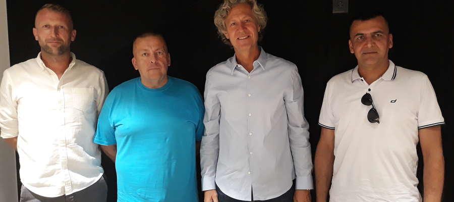 Od lewej: Karol Chilmanowicz (SP Legia-Bart), Sławomir Kirkuć (BOSiR), Dariusz Mioduski (prezes Legii Warszawa), Norbert Gromulski (dyrektor BOSiR)
