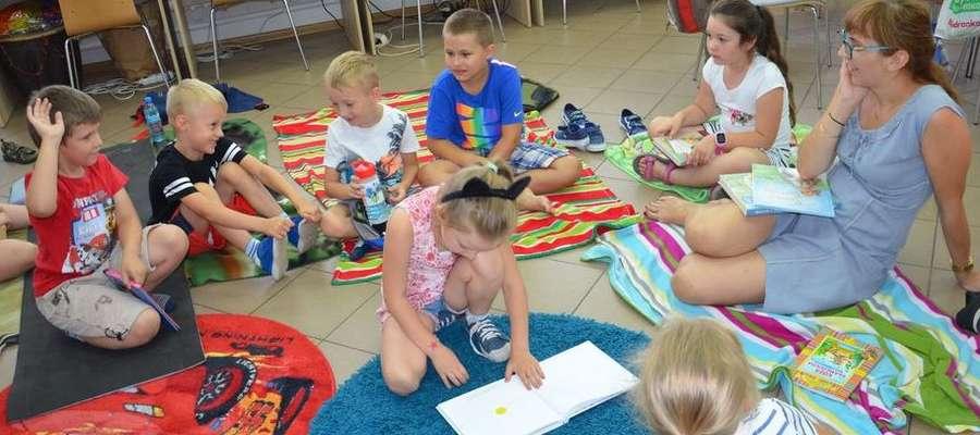 Dzieci chętnie spędzały wakacyjny czas w bibliotece