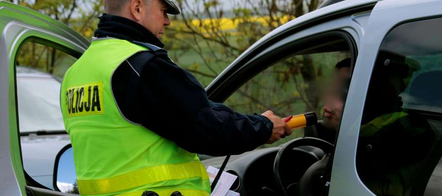 Policja zatrzymała dwóch nietrzeźwych kierowców