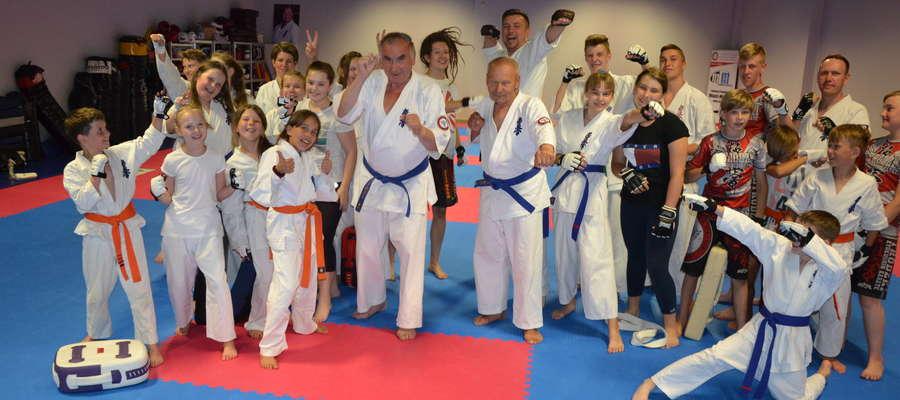 Na zajęciach ostródzkich karateków jest świetna atmosfera, warto do nich dołączyć