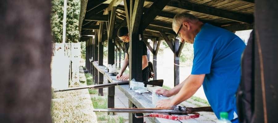 W Lidzbarku Warmińskim odbyły się niecodzienne Strzeleckie Zawody Sportowe  — strzelano z karabinu skałkowego